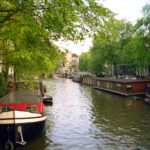 stort-grachten-Amsterdam-vol-beton